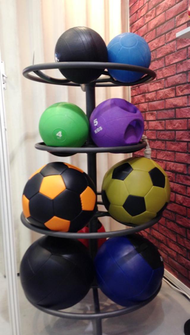 Rastrelliera con wall ball completa